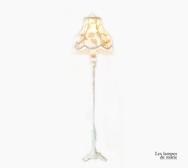 lampe-pied-blanche