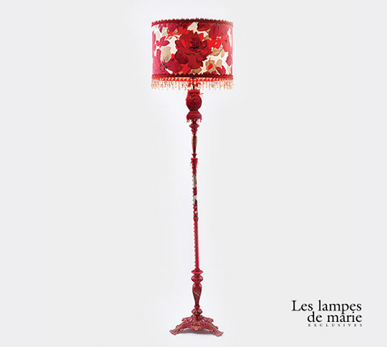 lampe sur pied rouge les lampes de marie. Black Bedroom Furniture Sets. Home Design Ideas