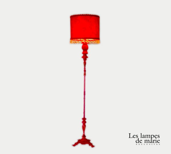 lampe-pied-rouge